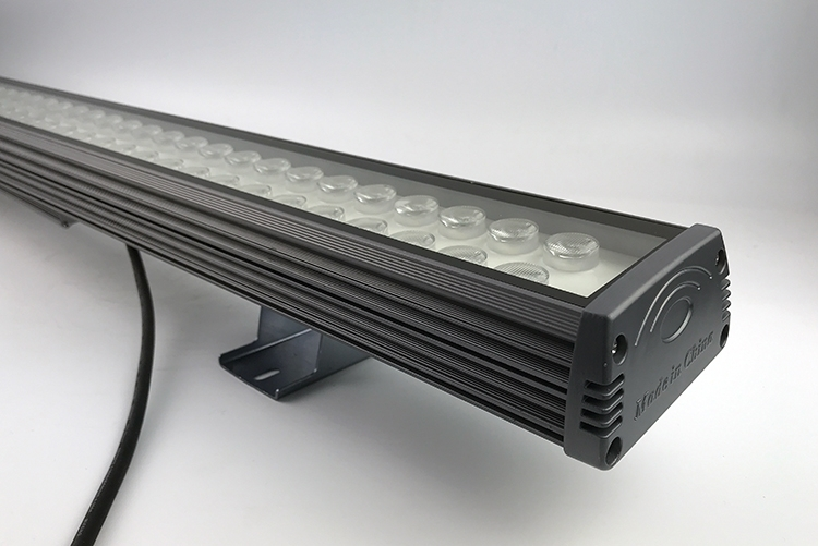 如何解决led线条灯厂家的led灯具功率管的发热问题