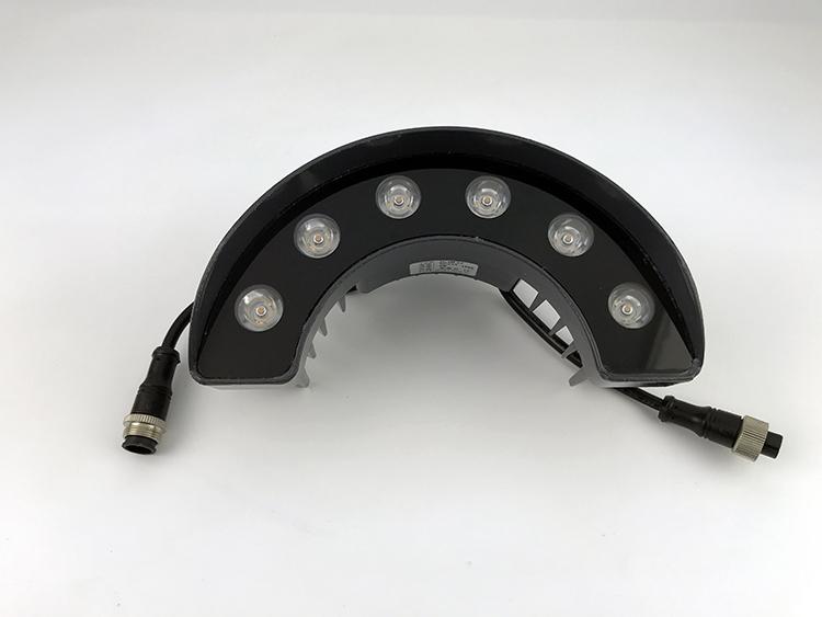 有哪两种方法可以控制LED灯的开关效果